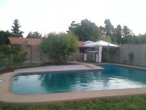 arriendo casa quillon 3 habitaciones, piscina, quincho